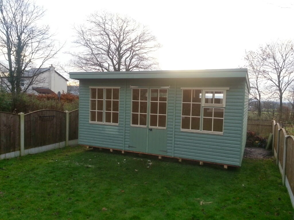 pent roof summerhouse
